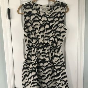 Annelore Black/white dress
